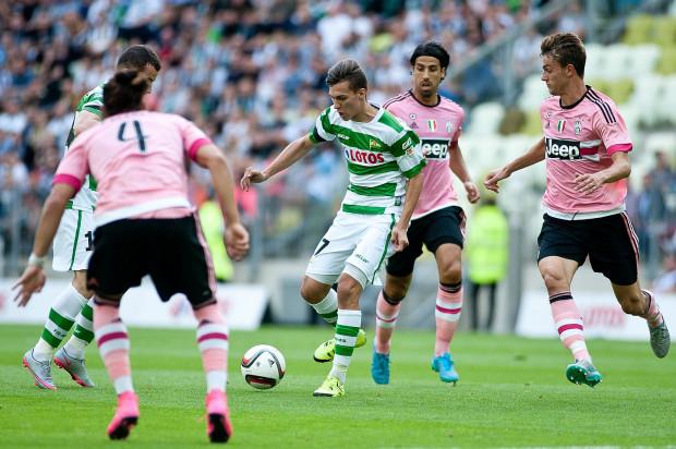 W 2015 roku Lukas Haraslin i jego koledzy z Lechii Gdańsk mogli zagrać z Juventusem Turyn w ramach Super Meczu. W lipcu zaprezentują się na międzynarodowej arenie w kwalifikacjach Ligi Mistrzów bądź Europy.