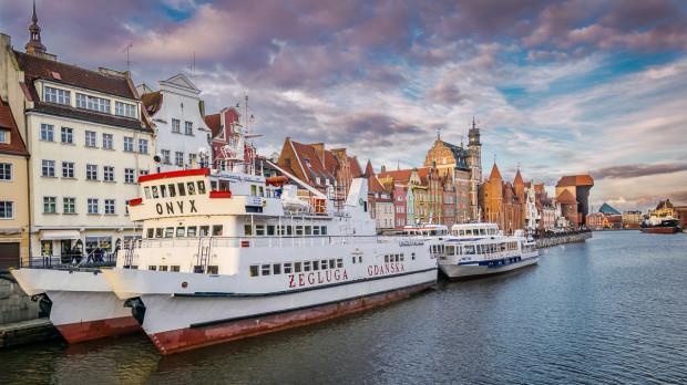 Katamarany do Helu odpływają obecnie z nabrzeża przy kładce na Ołowiankę.