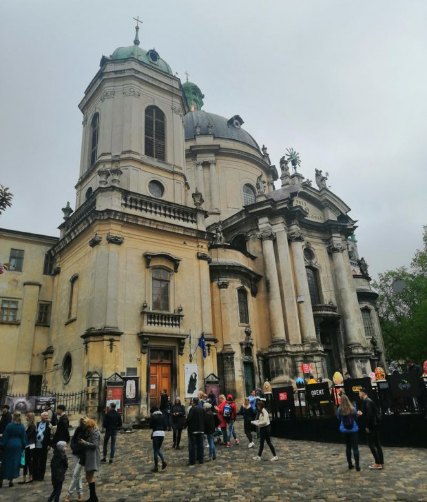 Dawny kościół Bożego Ciała i klasztor oo. dominikanów we Lwowie, to obecnie greckokatolicka cerkiew Najświętszej Eucharystii. To jeden z najwspanialszych barokowych zabytków Lwowa.
