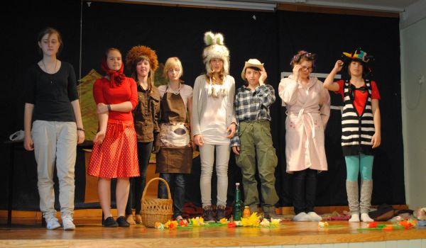 W II Międzyszkolnym Konkursie Teatralnym Języka Niemieckiego wzięło udział dziewięć szkół.