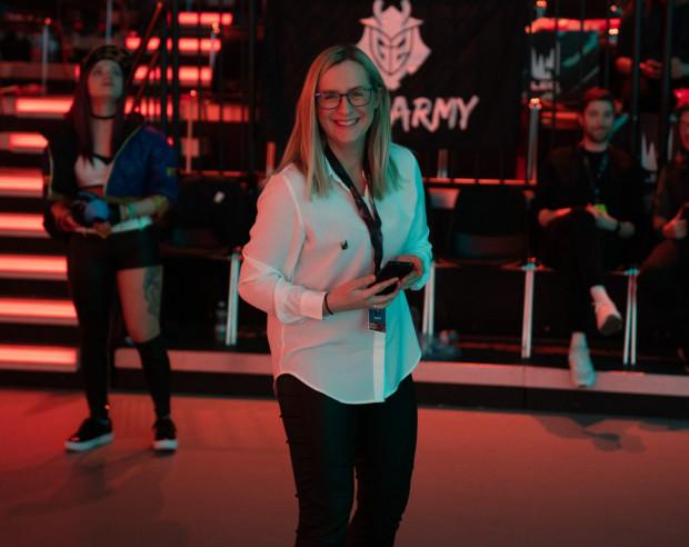 W trakcie pięciu lat pracy, Urszula Klimczak współpracowała z 40. graczami e-sportu. Obecnie pełni rolę psychologa w zespole X-KOM Team.