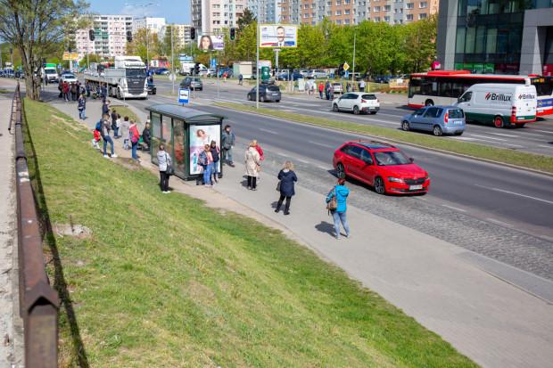W ramach prac przy budowie drogi rowerowej i chodnika swoje miejsce zmieni obecny przystanek autobusowy.