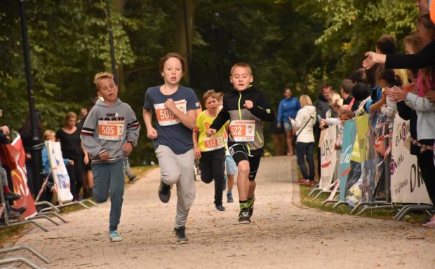 Najtańsze wpisowe na główny bieg GP Dzielnic Gdańska wynosi 15 zł. Start w biegach dla dzieci i młodzieży tradycyjnie jest bezpłatny.