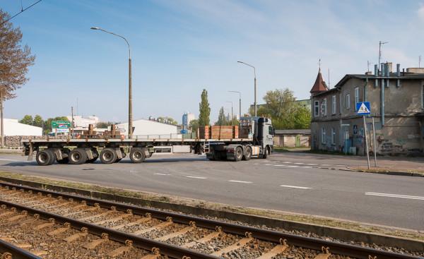 W miejscu kamienicy po prawej, planowanej do wyburzenia, będzie zaczynała się ul. Nowa Wyzwolenia, która będzie stanowiła nowe połączenie z ul. Marynarki Polskiej.