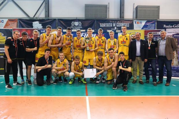 Trefl Sopot w finale koszykarskich mistrzostw Polski przegrał nieznaczną różnicą z Asseco Arką Gdynia i zdobył 2. miejsce.