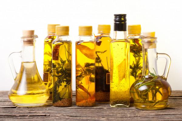 Znamy olej z oliwek i lnu, ale są także oleje z konopi, a nawet pestek. Takie oleje mają wysoką wartością odżywczą i jakość.