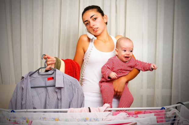 Dla matek wielozadaniowych nie ma rzeczy niemożliwych. Starają się godzić pracę, obowiązki domowe i macierzyństwo.