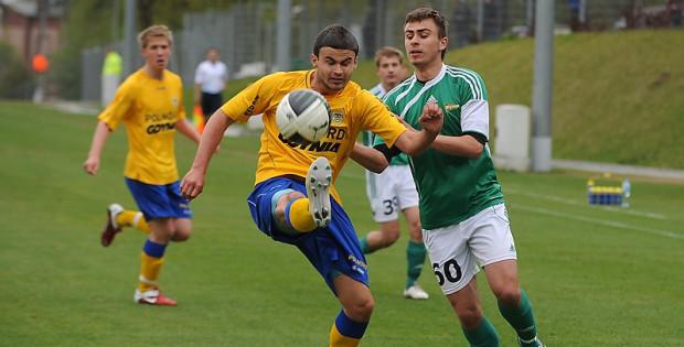 Piłkarze Arki w rozgrywkach Młodej Ekstraklasy zakończyli swój udział na wyższej pozycji niż piłkarze Lechii.