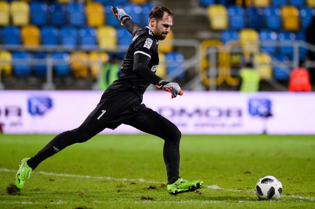 3330 - tyle minut na boisku spędził Pavels Steinbors w minionym sezonie ekstraklasy. Bramkarz Arki Gdynia rozegrał wszystkie 37 meczów.