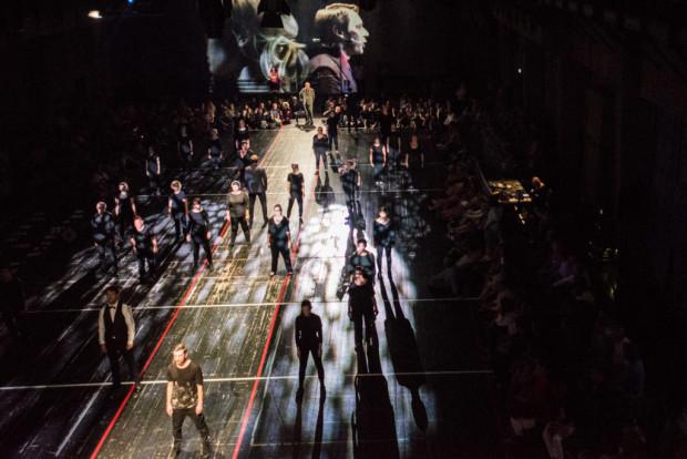"""Jedną z najciekawszych propozycji tegorocznego R@Portu był spektakl """"Wałęsa w Kolonos"""" Teatru Łaźnia Nowa w Krakowie. Spektakl będzie można zobaczyć 6 i 7 czerwca w Teatrze Szekspirowskim."""
