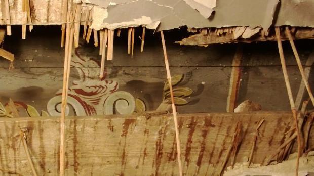 W Dworze Studzienka znajdują się zdobione polichromowane belki stropowe, na ich zabezpieczenie konserwator przeznaczył 6 tys. zł.