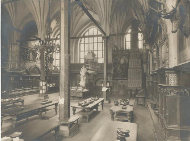 Wnętrze Dworu Artusa, które w latach 1919-1920 było siedzibą giełdy walutowej.