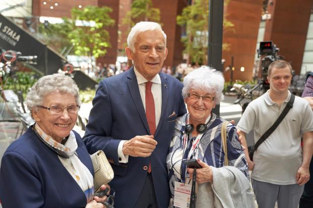 Uroczystości to okazja do spotkania i porozmawiania z wieloma znanymi osobami. Na zdjęciu Jerzy Buzek.