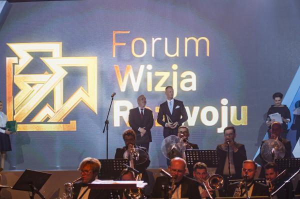Organizatorzy Forum Wizja Rozwoju planują zorganizowanie 100 paneli dyskusyjnych na 100 - lecie odzyskania niepodległości.
