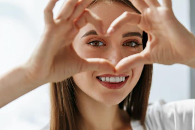 W pielęgnacji twarzy ciała powinniśmy pamiętać zawsze o ochronie przed promieniowaniem UV.