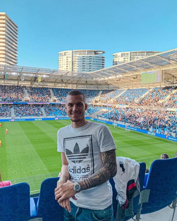 Lukas Haraslin nie zamierza całkiem odpoczywać od piłki. Wybrał się na mecz Slovana Bratysława.