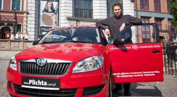Laureat głównej nagrody Czerwonej Róży - Rafał Kłoczko, student trzeciego roku dyrygentury.