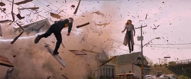 """Widowiskowe efekty specjalne są z pewnością jednym z nielicznych plusów """"Mrocznej Phoenix"""". Szkoda, że możemy przekonać się o tym tak rzadko, bo twórcy filmu często unikają bezpośredniej konfrontacji bohaterów. Pod tym kątem jest to bodaj najnudniejsza część serii X-Men od lat."""