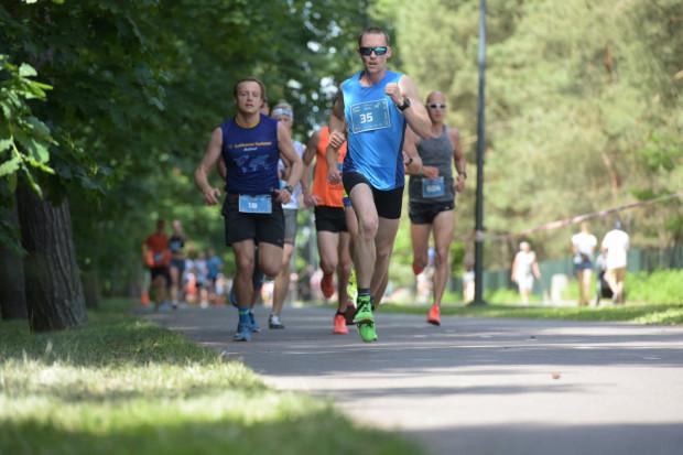 Bieg do źródeł to nie tylko impreza dla sportowców, ale również okazja dla całych rodzin do udziału w pikniku, gdzie przewidziano wiele atrakcji.