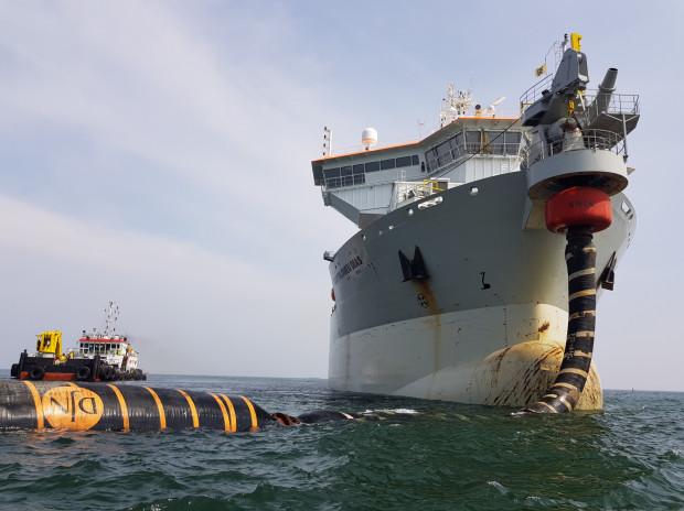 Bartolomeu Dias pracuje na Zatoce od 1 czerwca. Lada dzie wspomoże go największa pogłębiarka świata - Leiv Eiriksson.