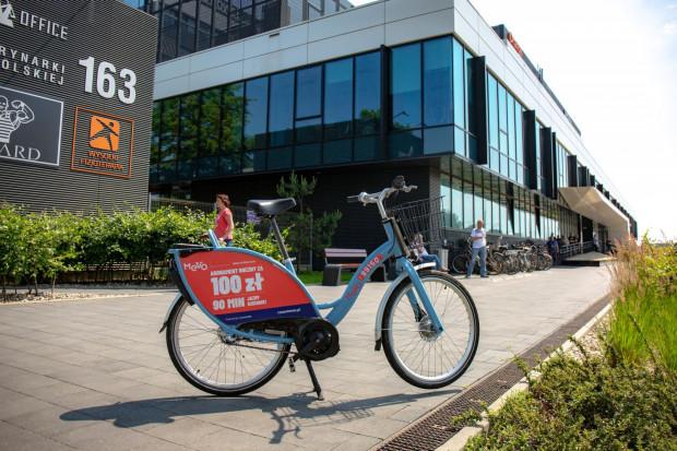 Na naszego czytelnika za zakończenie wynajmu roweru przed biurowcem C200 Office operator nałożył karę w wysokości 450 zł.
