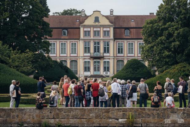 Spacer z Lokalnymi Przewodnikami i Przewodniczkami po Oliwie. Dzielnica ta dołączyła do grona zwiedzanych miejsc rok temu.