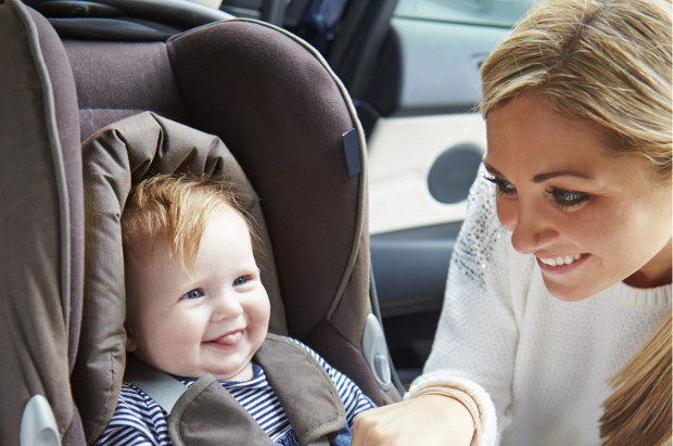 Pierwszy zakupiony dla niemowlaka fotelik powinien być z grupy 0-13 kg.