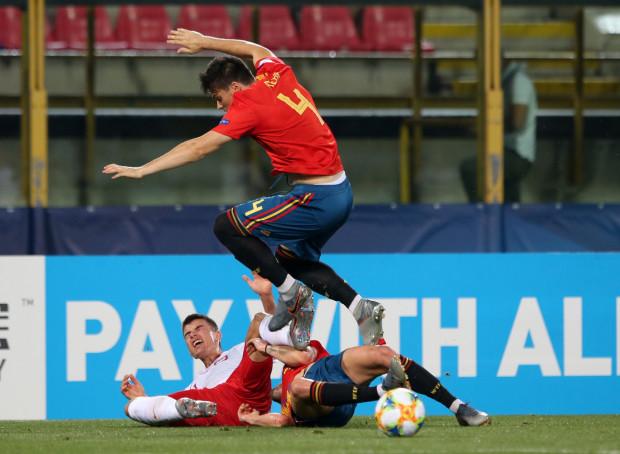 Karol Fila starał się powstrzymać Hiszpanów, ale podobnie jak i całej młodzieżowej reprezentacji Polski obrońcy Lechii Gdańsk to się nie udało. Biało-czerwoni 22 czerwca zostali rozgromieni przez Hiszpanię aż 0:5.