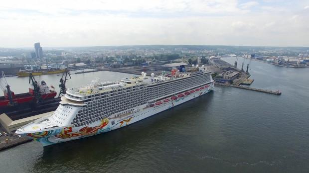 """""""Norwegian Getaway"""" będzie stał w Gdyni tylko przez dziewięć godzin. Wypłynięcie zaplanowano na godz. 21."""