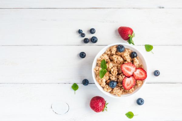 Owoce sezonowe są świetnym produktem, który pozwoli na dostarczenie do naszego organizmu witamin, składników mineralnych oraz antyoksydantów.