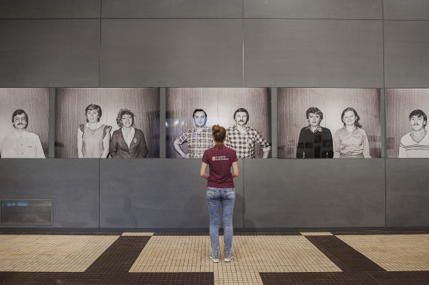 """Wernisaż wystawy fotografii """"Love Boat"""" w Muzeum Emigracji w Gdyni."""