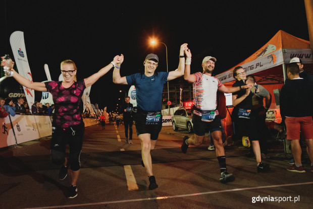 Frekwencja Nocnego Biegu Świętojańskiego 2019 wyniosła 2740 zawodników. Obok linii startu i mety nie zabrakło również sporej grupy kibiców.