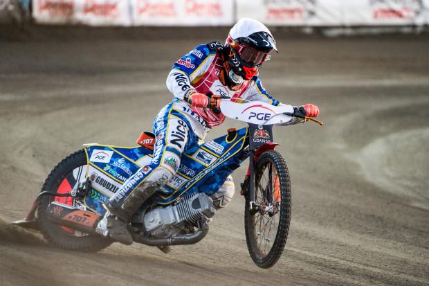 Krystian Pieszczek w pięciu biegach czterokrotnie wygrywał. Raz meldował się na drugiej lokacie.