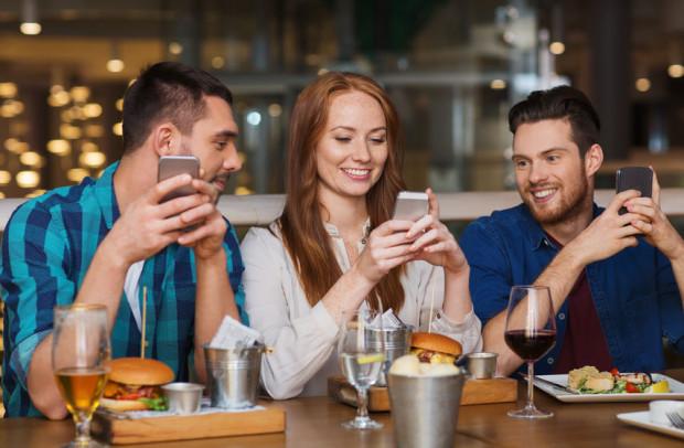 Niektóre restauracje chętnie zapraszają blogerów na darmowy posiłek w zamian za promocję.