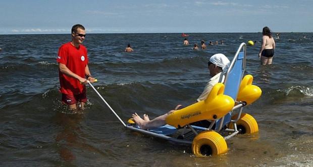 Niepełnosprawni chętnie korzystają z możliwości kąpieli.