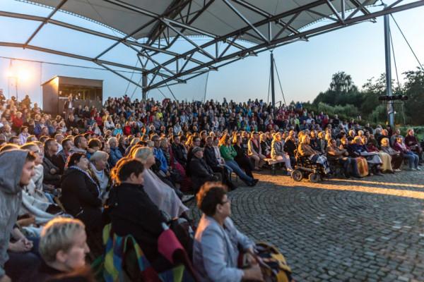 Wydarzenia Sceny Letniej w Pruszczu Gdańskim cieszą się ogromną popularnością. W ubiegłym roku uczestniczyło w nich aż 14 tys. osób.
