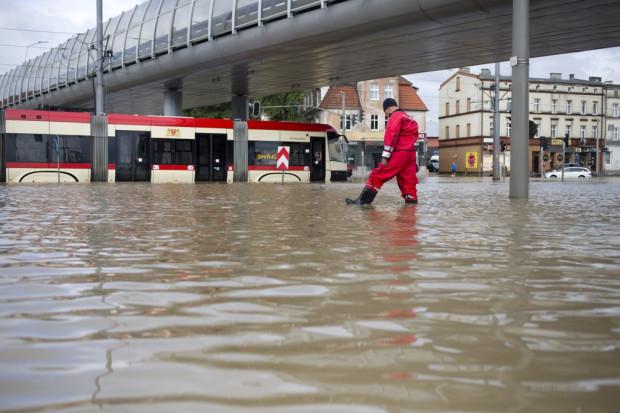 Mieszkańcy Wrzeszcza od lat borykają się z problemami podtopień przy każdym większym deszczu. Nz. zalane skrzyżowanie Trasy Słowackiego z al. Grunwaldzką w 2016 r.