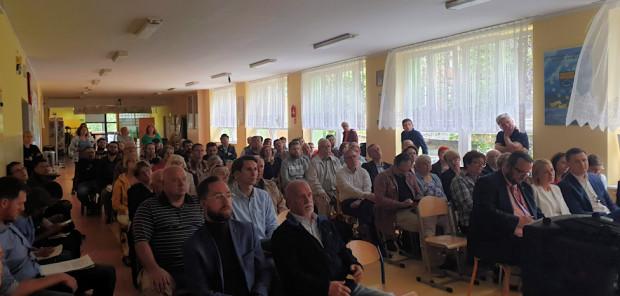 W przeciwieństwie do sesji Wrzeszcza Dolnego, w Górnym Wrzeszczu pojawili się licznie urzędnicy oraz zastępca prezydenta Piotr Grzelak.