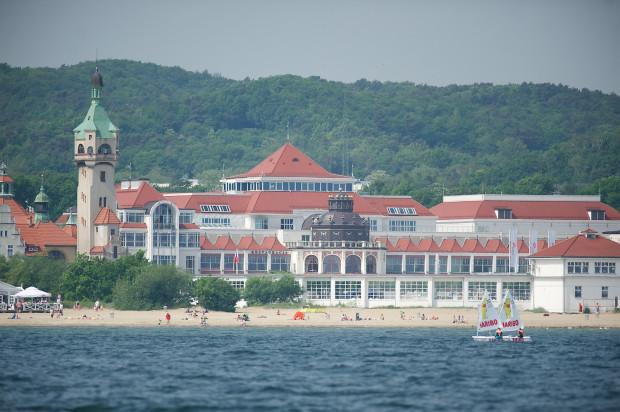 Dom zdrojowy i latarnia morska w Sopocie