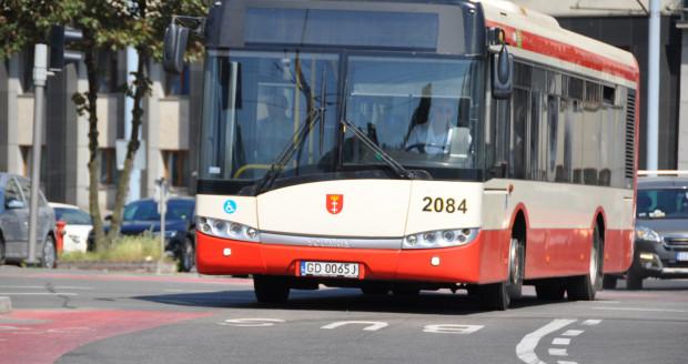 Tylko w 2018 roku GAiT zakupił 315 sztuk młotków, by uzupełnić braki w autobusach. Żaden z brakujących młotków nie został użyty do wybicia szyby w wyjściu awaryjnym.