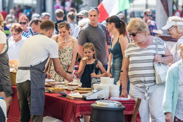 Kulinarna Świętojańska to okazja do skosztowania wielu smakołyków.