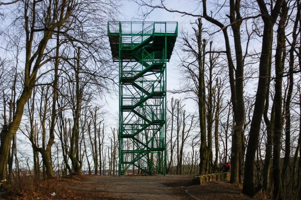 Pachołek to jeden z najpopularniejszych punktów widokowych w Gdańsku. 15-metrowa, stalowa konstrukcja zbudowana w połowie lat 70. XX wieku stoi na wzgórzu o wysokości ok. 107 metrów n.p.m. w Oliwie.
