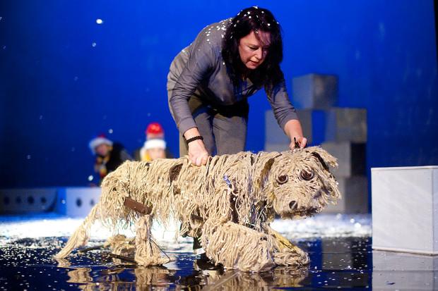 """- """"Baltica. Psa na krze"""" (na zdjęciu) darzę sporym sentymentem także dlatego, że to pierwszy spektakl, który tu zrealizowałem i jeden z nielicznych dokumentów w teatrze dla dzieci - mówi dyrektor Teatru Miniatura."""