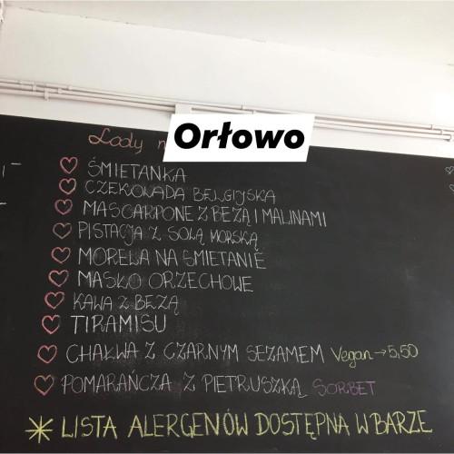 Lodowe menu z Miło Mi w Orłowie: oryginalnie brzmią smaki pomarańcza z pietruszką oraz chałwa z czarnym sezamem.