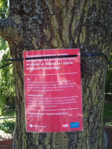 Zakres prac obejmuje m.in. podniesienie lokalnego obniżenia terenu w pasie zieleni pomiędzy potokiem Strzyża a ulicą Kubacza.