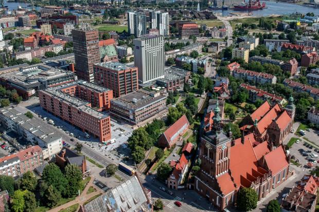 Inwestycja przy ul. Rajskiej i Heweliusza została wkomponowana w miejską zabudowę.