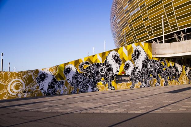 Industrialno-mechaniczne lwy na muralach Mariusza Warasa zobaczymy pod Stadionem Energa Gdańsk.