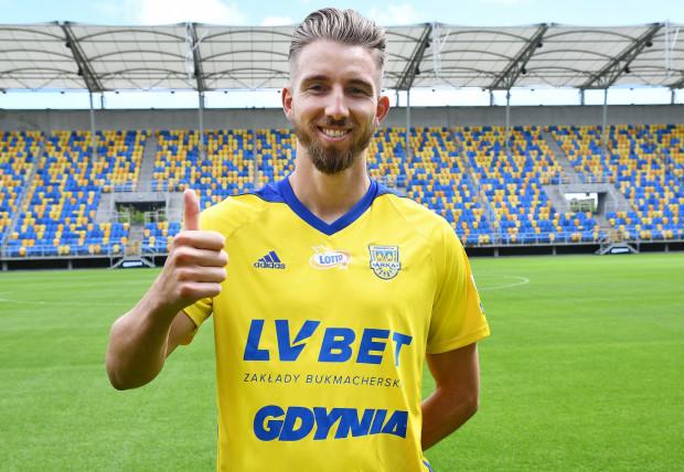 Fabian Serrarens został zaprezentowany jako nowy piłkarz Arki Gdynia.