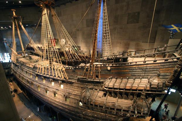Okręt Vasa prezentowany jest w pawilonie muzealnym w Sztkholmie.
