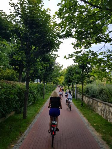 Wyremontowana ścieżka rowerowa wzdłuż wybrzeża Sopotu